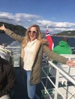 Ferry to Lindøya