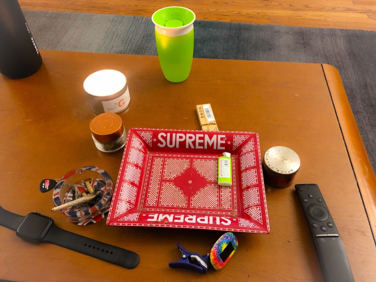 supreme-rolling-tray
