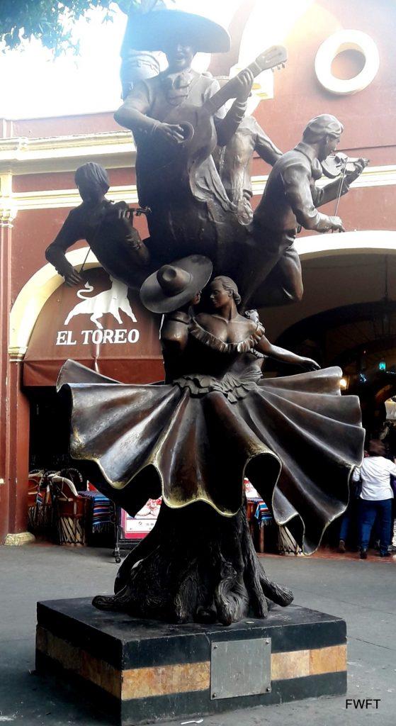 Guadalajara-Mexican City of the future! Tlaquepaque Center Sculpture