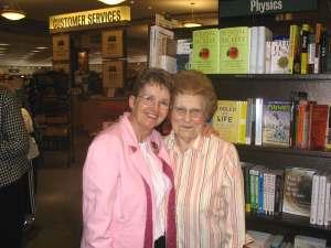 Gladys Merek and Kat