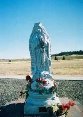 Goddess_queen_statue_230439_l
