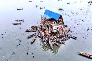 makoko_boats_clustered