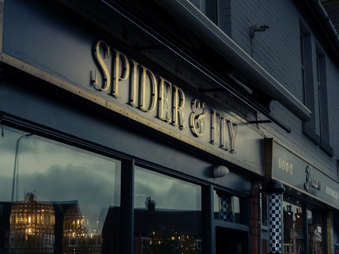 Spider and Fly Exterior