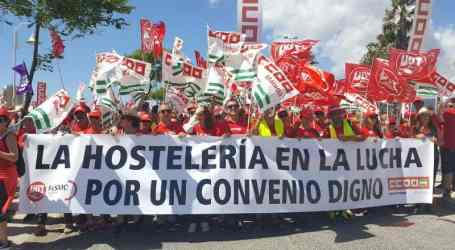 Spanish hospitality workers on 3-day march to Malaga to demand a collective agreement