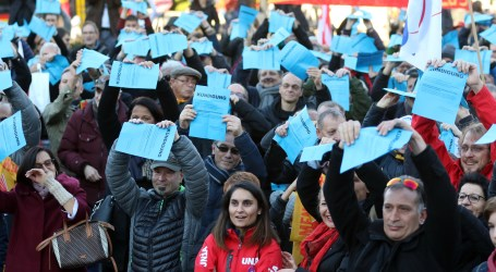 Unions protest plan by Novartis to shed 2,550 jobs