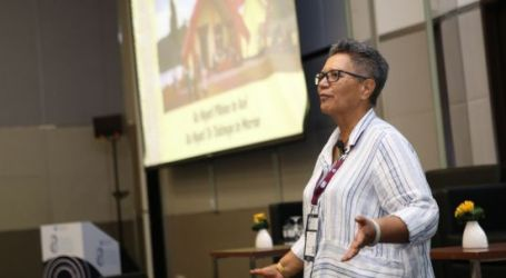 """Indigenous Peoples' Caucus: """"Our languages haven't died, they are asleep and we need to reawaken them"""""""
