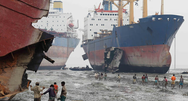 Ship Breaking – Unsafe Working Conditions on the Beaches of Bangladesh