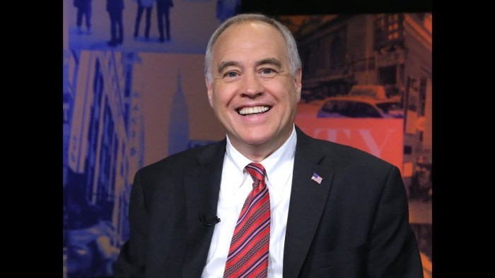 DiNapoli: Read the Fine Print on Your New Gift Card