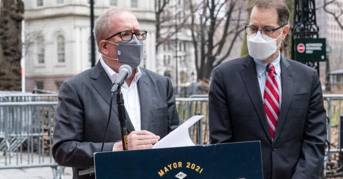 Stringer, Facing Sexual Harassment Accusation, Loses Key Endorsements