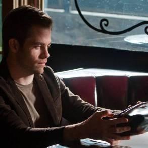 Chris Pine stars in People Like Us.