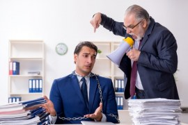 Signs You're in a Hostile Work Environment and 5 Ways to Deal with It