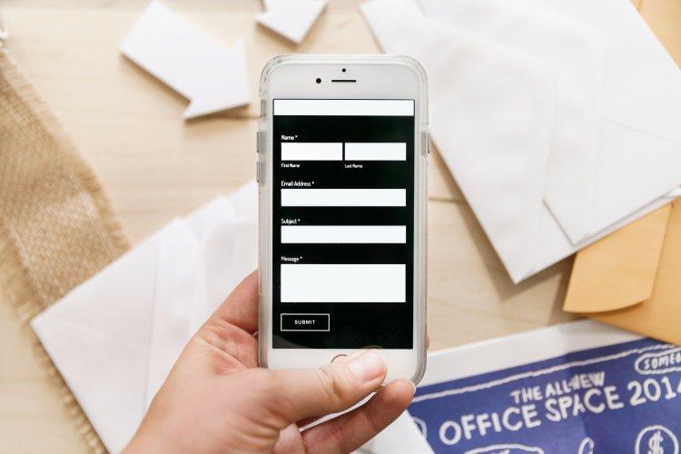 Carnet d'adresse et RGPD : est-ce légal d'avoir une base de données professionnelles chez soi ?