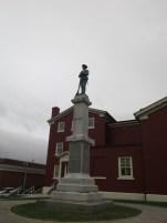 énième monument aux guerriers morts