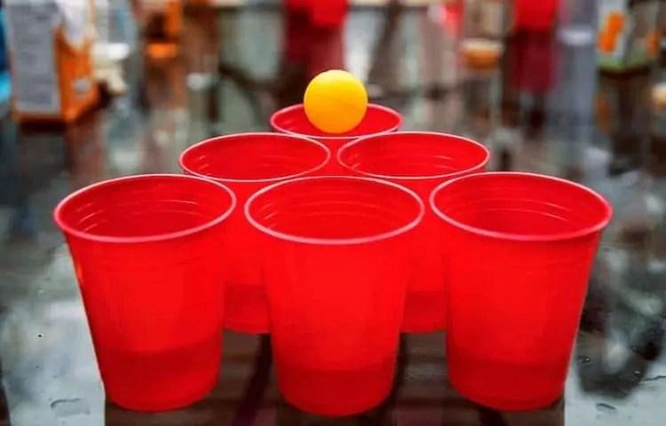 six cups beer pong