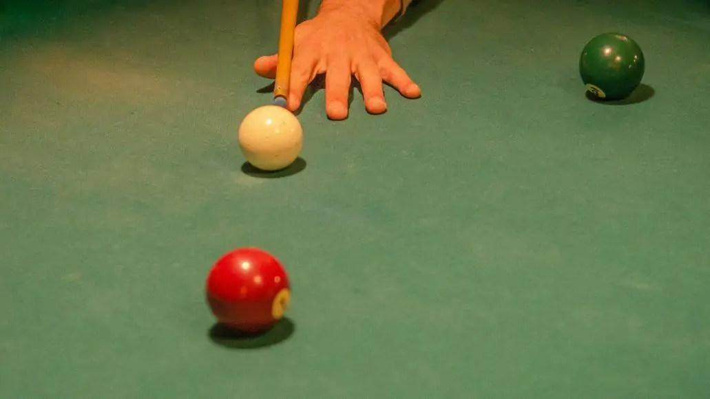 billiards bank shot