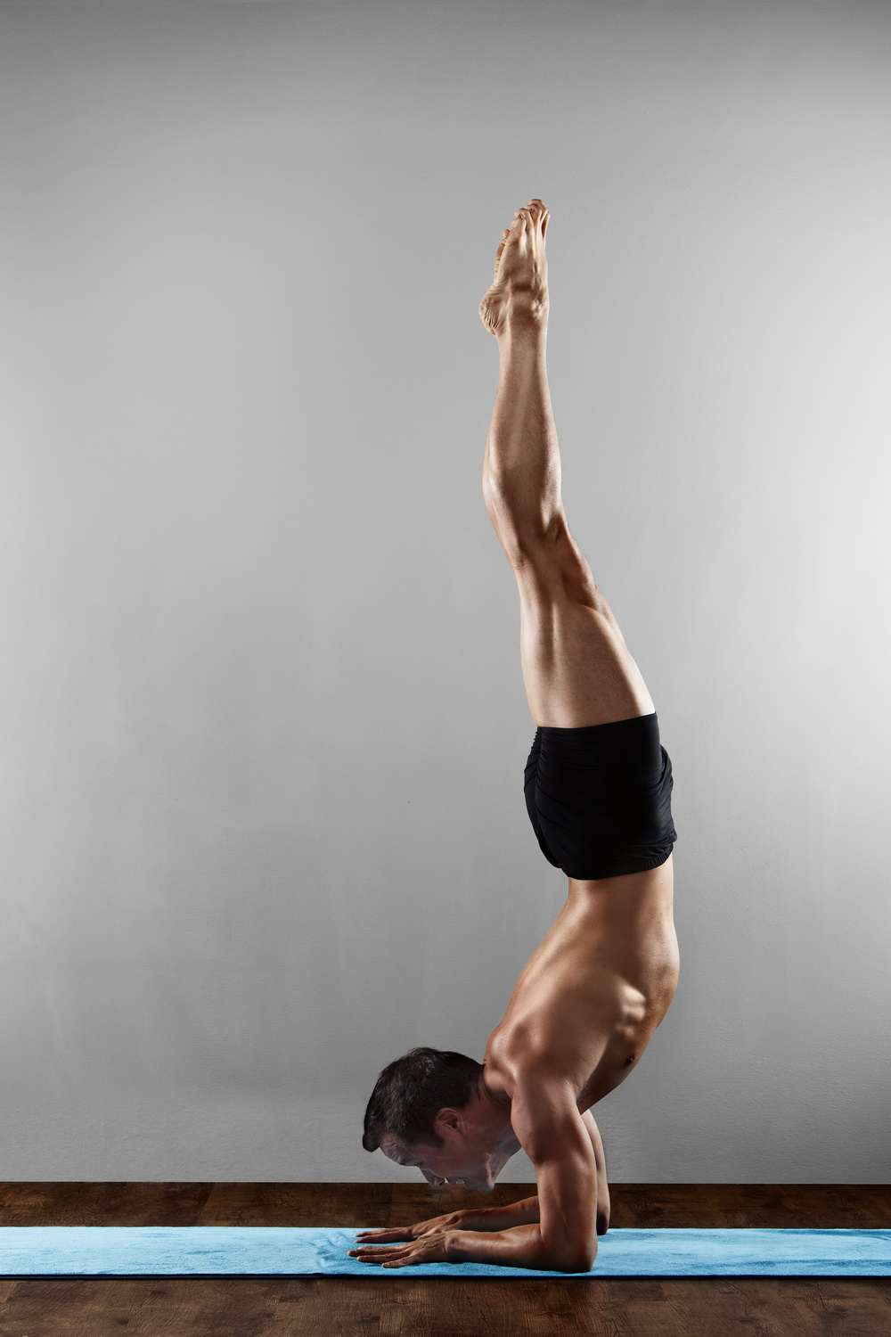 10 Yoga Poses for a super B-Boy