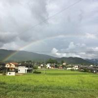 帰路、大きな虹に出逢いました。