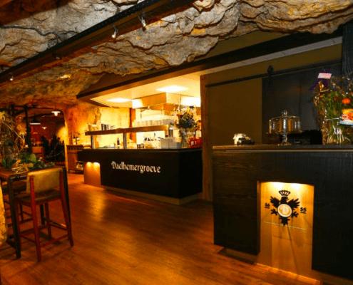 belevenis brunchen in een grot