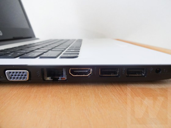 HP 14-ac100 Review 006