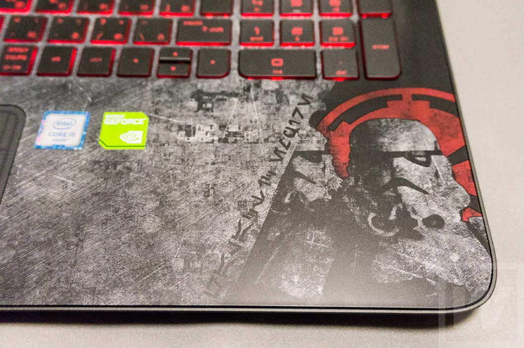 HP Star Wars Special Edition Notebook Review 009