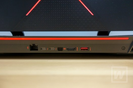 hp OMEN X by HP 17-ap000 Review-14