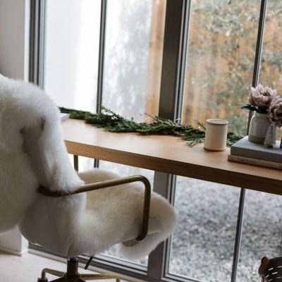 Two Ways to Style the Jenni Kayne Sheepskin