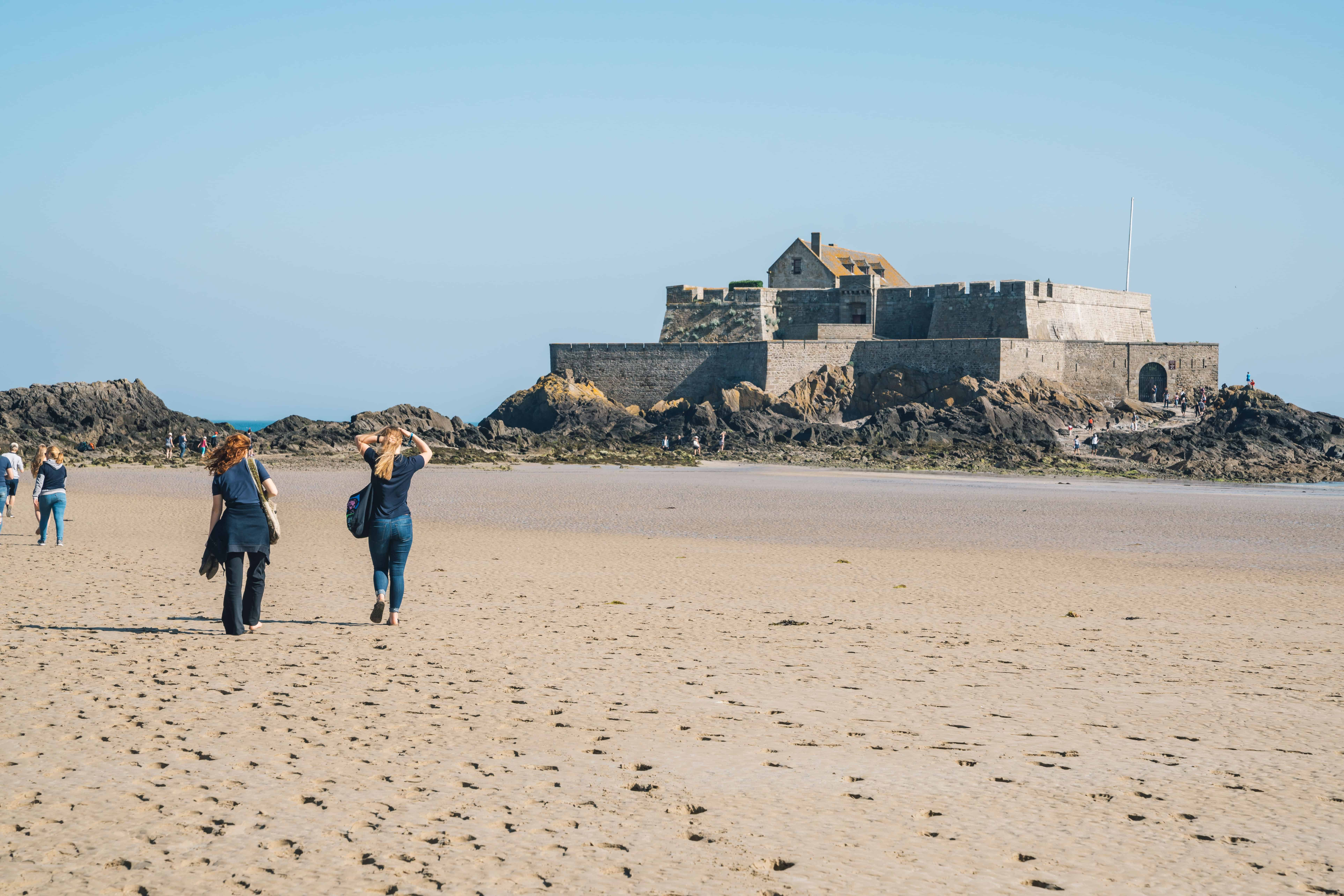 2017 May Saint Malo France Hennie and Nora H walking to Fort National