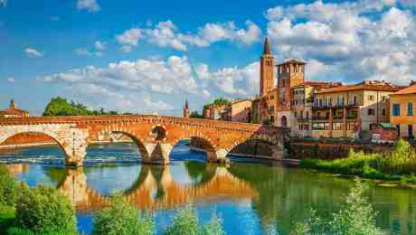 Featured-Fullscreen-Italy