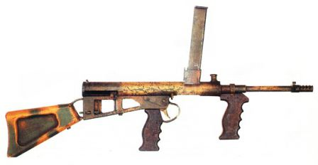 Owen Mk.1-43 submachine gun in camouflage paint