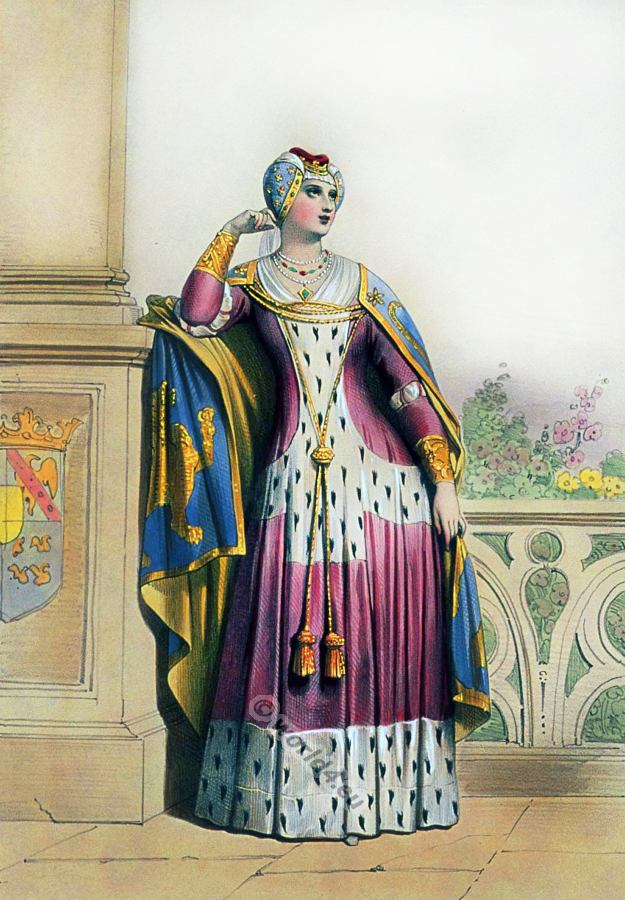 Pictures Of Ladies Middle Ages Clothing 105