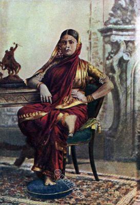 Indian Brahman Lady. India National costume. Traditional Hindu Brahman clothing.