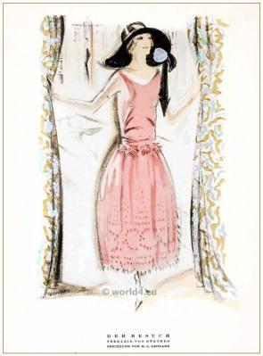 Tea gown by Günther. STYL Art Déco Fashion Magazine. German Art deco costumes 1920s. Roaring twenties fashion. Gibson Girls clothing.