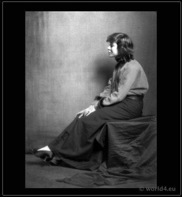 Lotte Pritzel Portrait. Art doll Artist. Art Deco costume dolls.