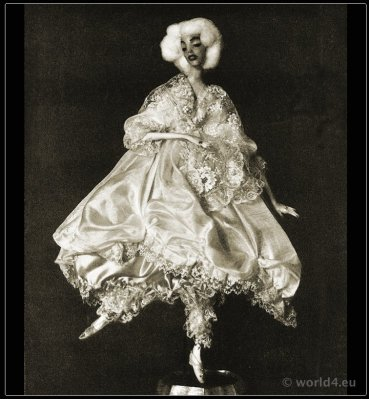 Dolls for the showcase. Lotte Pritzel. Artist dolls. Art Deco costume doll.
