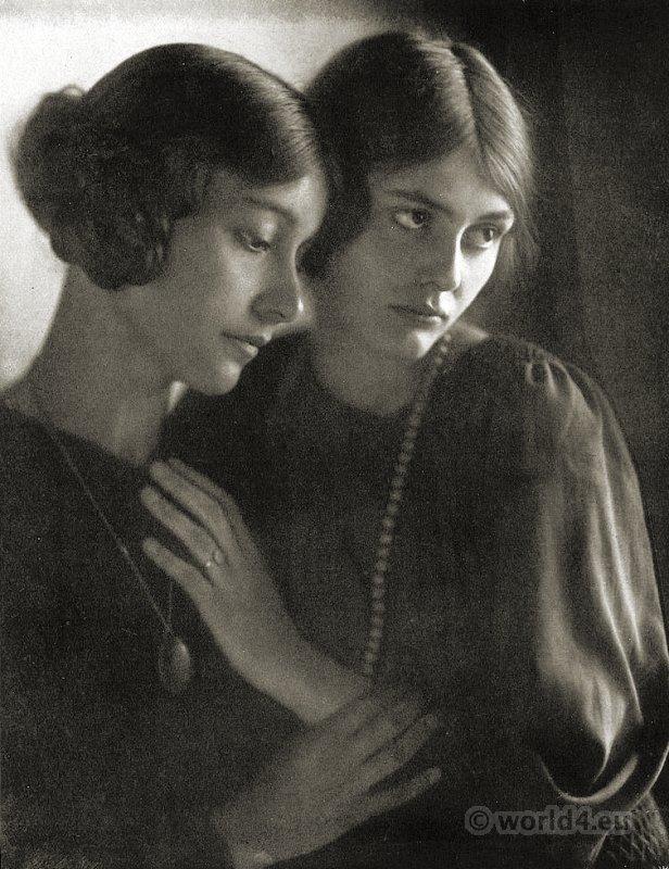Minya und Rudolf Dührkoop. Photographers. Hairstyl 1910s. Pretty german girls.