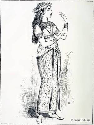 Ancient Egyptian costume Narrow Skirt. The Corset and the Crinoline. Egypt Queen and Nobel woman