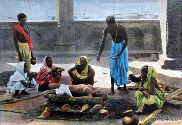 Corpse incineration, cremation. Traditional Sri Lanka costumes. Old Ceylon dresses.