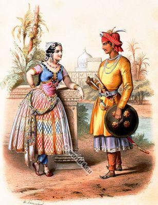 Traditional India costumes. Asia folk dress. Hindu Nobility clothing