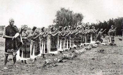 Maori, Poi, Dance, Tribal, Tribe, New Zealand, folk costumes, dress, ritual, ancient weapons