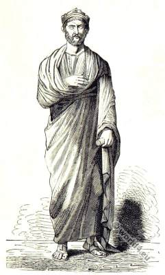 Statue of Roman Emperor Julian. Ancient Byzantin clothing