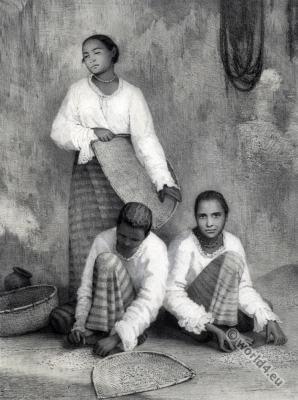 Sinhalese women. Sri Lanka traditional costumes. Femmes cingalaises