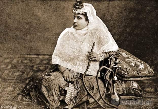 Harem girl. Ottoman empire. Shahrazade. Mysteries. Constantinople. Osman Costumes.