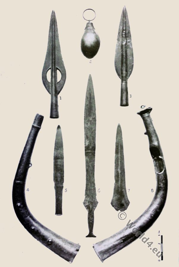 Hoard, Dowris,Bronze Age,Socketed knives, spearheads, horns, trumpet,British Antiquities,Dowris-phase