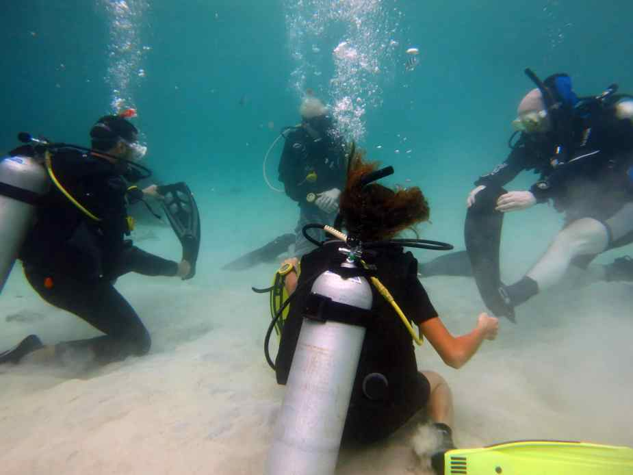 Rescue diver course in Koh Tao, Thailand