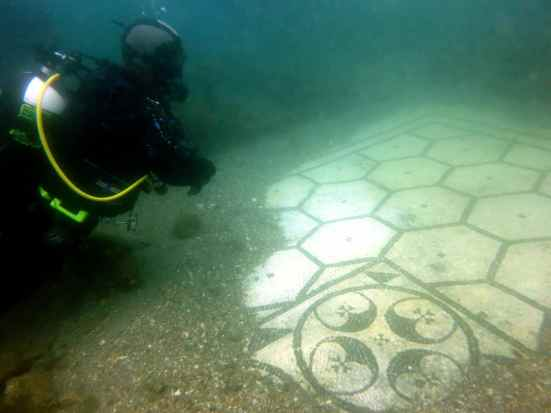 villa protiro scuba diving underwater archeological park Baia