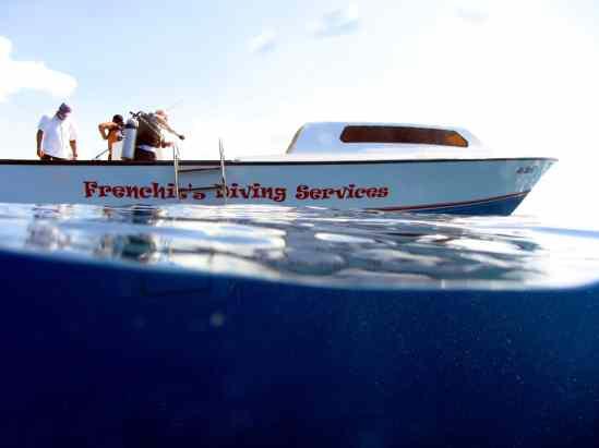 Diving Great Blue hole Belize boat