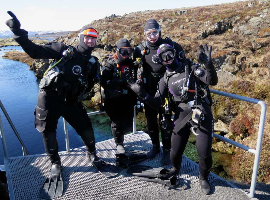 scuba divers dry suit silfra Iceland