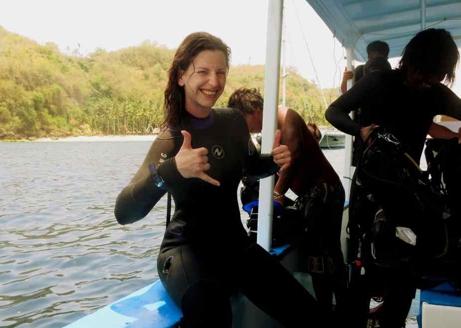 Scuba divers in Crystal Bay - Bali diving