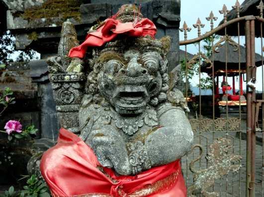 Statue Temple Bali Indonesia