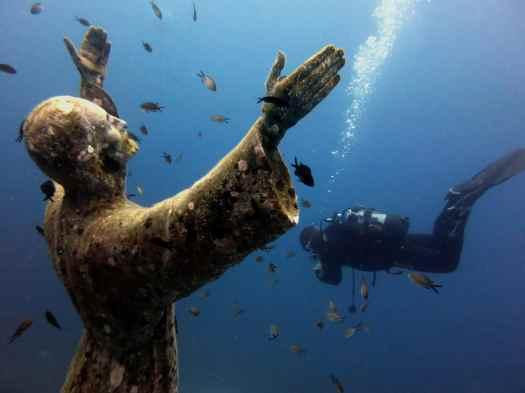 Christ of the Abyss / Cristo degli Abissi in San Fruttuoso Portofino Italy scuba diver